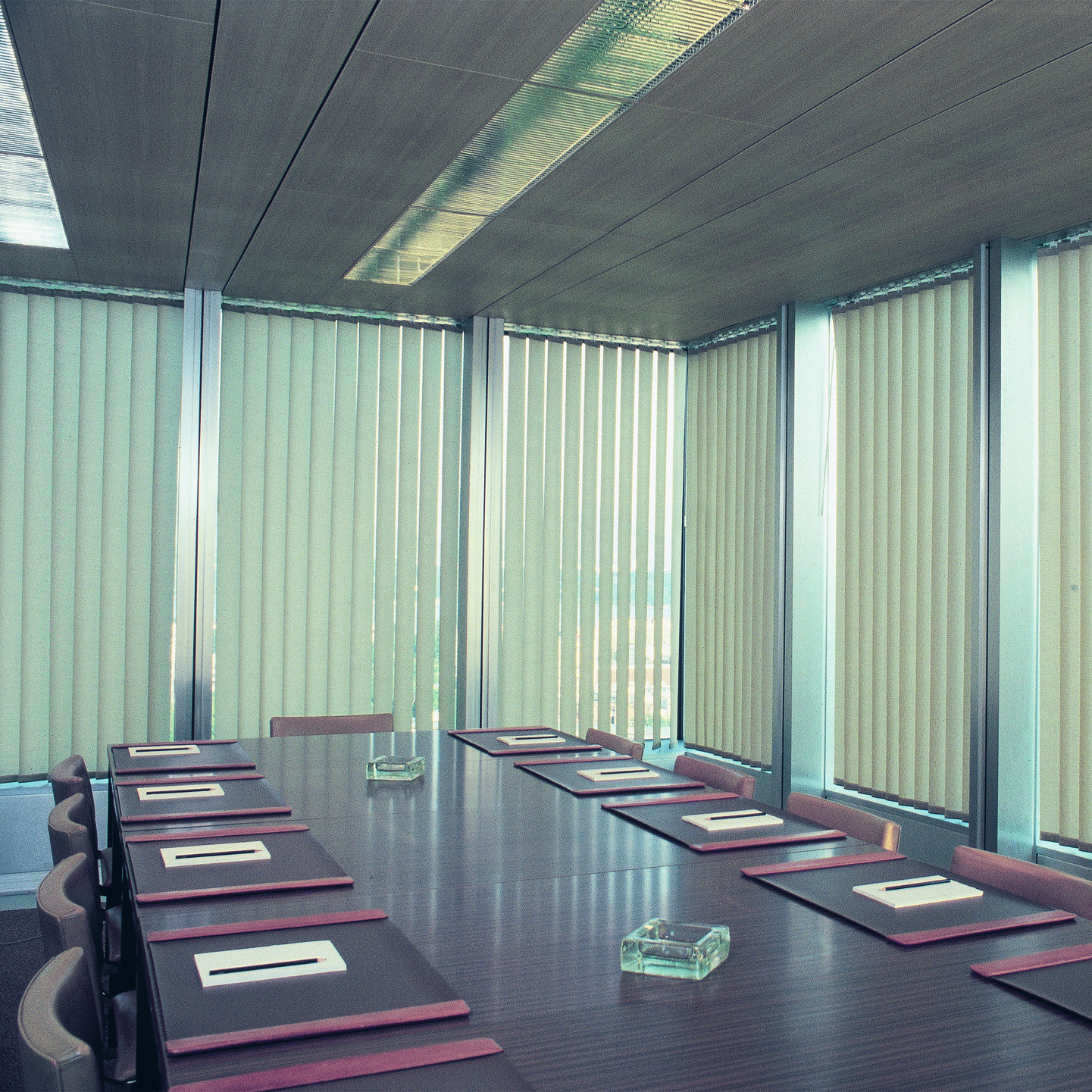 How to clean vertical blinds - Vertical Blinds Boardroom